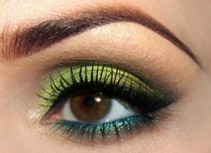 brown-eyes-green-makeup-022